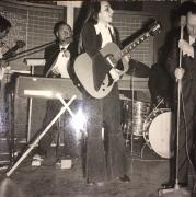 """Gianna Nannini al I° torneo tra cantanti di Siena e Grosseto per l'assegnazione della """"LUPA ROMANA"""" 26.06.1970"""